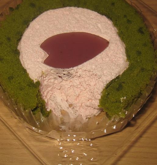 ローソン-桜と抹茶のロールケーキ