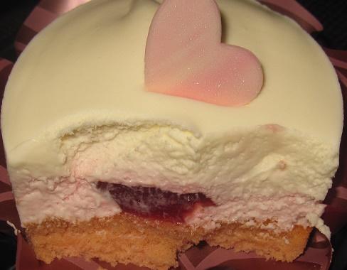 ホワイトチョコレート&ベリーのケーキ-ローソン