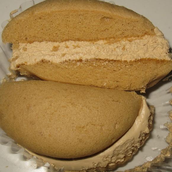 クリームで味わうモカコーヒークリームのスフレケーキ4