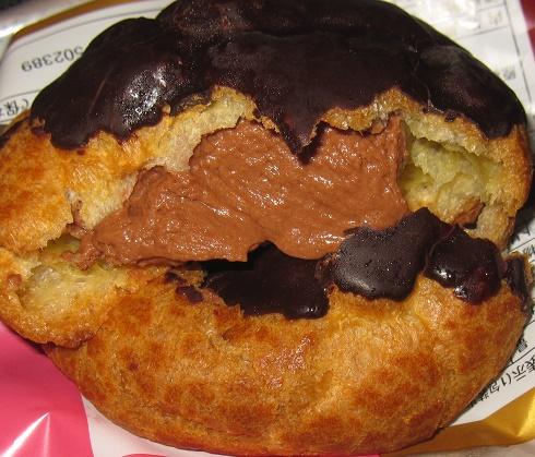 チョコレートシュークリーム4