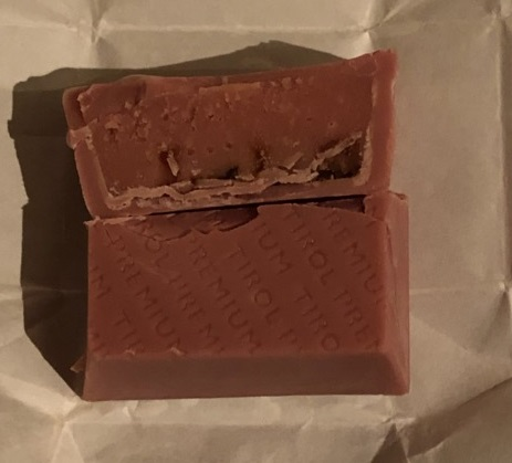 チロルチョコ(ルビーチョコレート)4