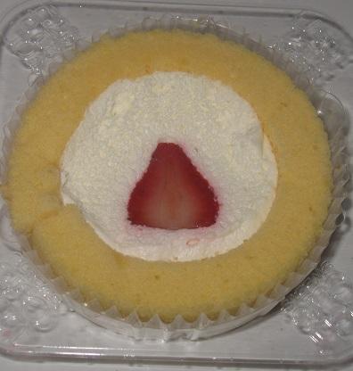 Newプレミアムロールケーキ(いちごのせ)