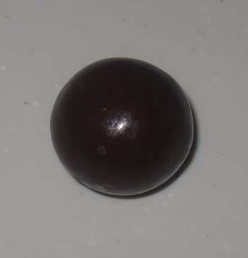 チョコ玉ハイチュウ(ストロベリー味)