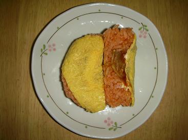 オムハヤシ(チーズソース入り)