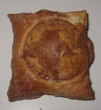 窯焼きパイのシュークリーム