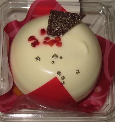 白いクリスマスケーキ(ホワイトチョコレートムース&プラリネクリーム)