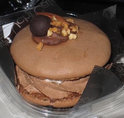 チョコマカロンケーキ