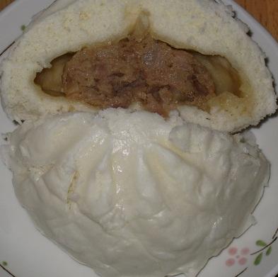 驚きの白まる肉まん