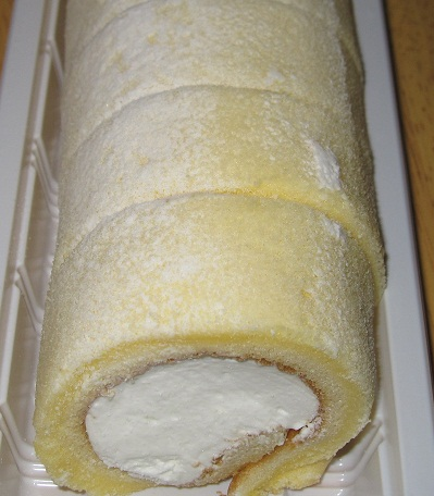 もち食感ロール(北海道産牛乳入りクリーム)