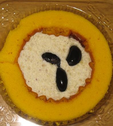 スプーンで食べるプレミアム丹波黒豆と芋栗のロールケーキ