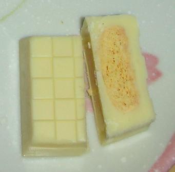 チロルチョコ(北海道チーズ味)