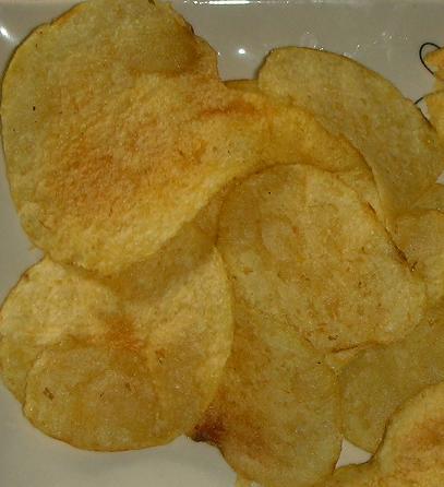 ポテトチップス(沖縄スパイス味)
