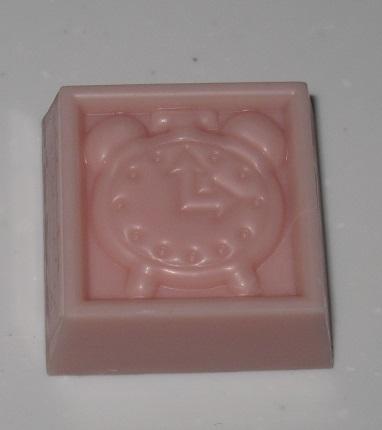 チロルチョコ(ビスコ いちごミルク)