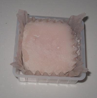 桃レアチーズ大福