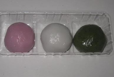 春の三色だんご(つぶあん)